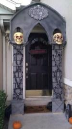 Elegant Diy Halloween Ideas For Outdoor Decoration 05