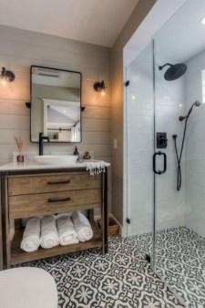Lovely Modern Farmhouse Design For Bathroom Remodel Ideas 04