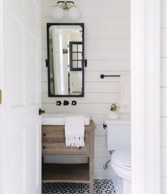 Lovely Modern Farmhouse Design For Bathroom Remodel Ideas 34