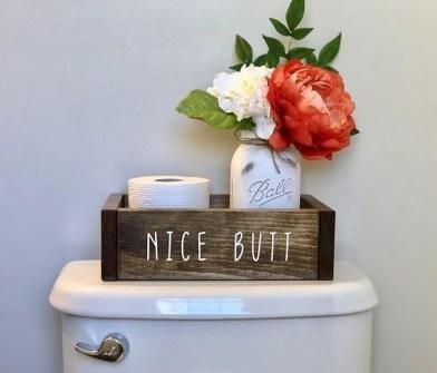 Minimalist Bathroom Winter Decoration Ideas 22