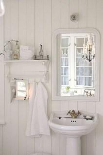 Minimalist Bathroom Winter Decoration Ideas 28