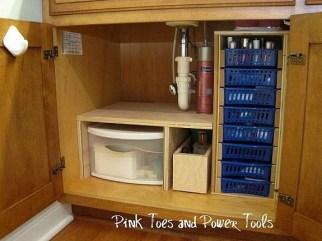 Minimalist Small Bathroom Storage Ideas To Save Space 30
