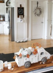 Stylish Fall Home Decor Ideas With Farmhouse Style 13