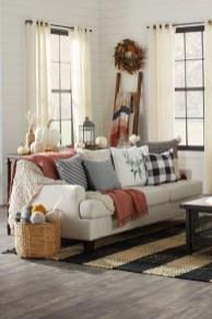Stylish Fall Home Decor Ideas With Farmhouse Style 29