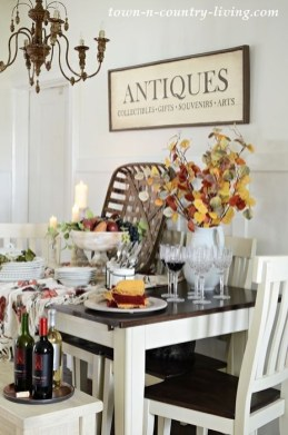 Stylish Fall Home Decor Ideas With Farmhouse Style 33