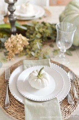Stylish Thanksgiving Table Ideas 09