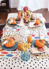 Stylish Thanksgiving Table Ideas 12