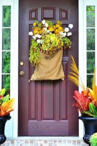 Unique Fall Front Door Decor Ideas 14