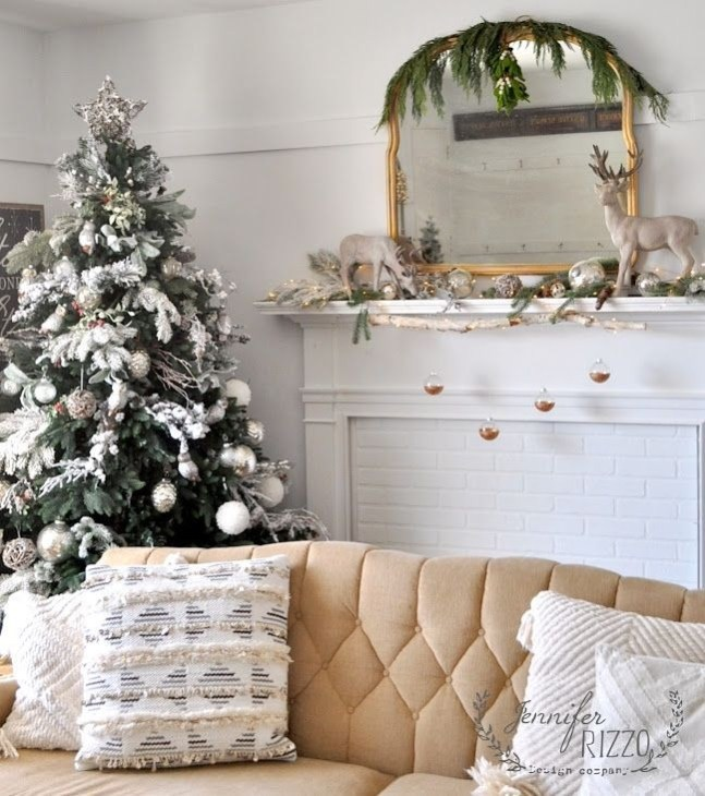 Creative Rustic Christmas Fireplace Mantel Décor Ideas 33