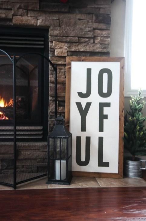 Creative Rustic Christmas Fireplace Mantel Décor Ideas 34