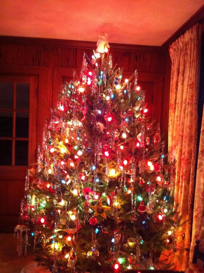 Easy Christmas Tree Decor With Lighting Ideas 28