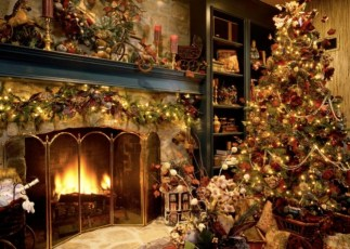 Gorgoeus Rustic Stone Fireplace With Christmas Décor 39