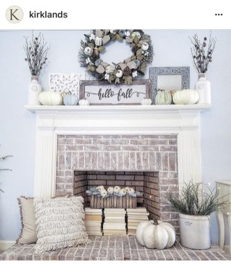 Lovely Farmhouse Christmas Porch Decor And Design Ideas 08