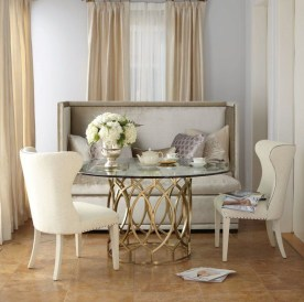 Luxurious Small Dining Room Decorating Ideas 19