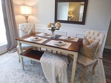 Luxurious Small Dining Room Decorating Ideas 31