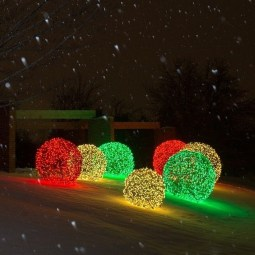 Marvelous Outdoor Lights Ideas For Christmas Decorations 36