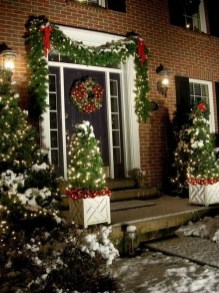 Marvelous Outdoor Lights Ideas For Christmas Decorations 44