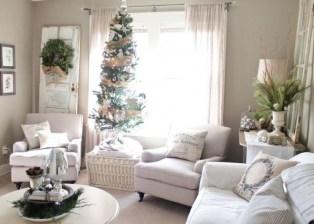 Minimalist Christmas Tree Ideas For Living Room Décor 04
