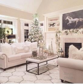 Minimalist Christmas Tree Ideas For Living Room Décor 17