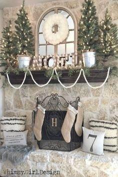 Minimalist Christmas Tree Ideas For Living Room Décor 41