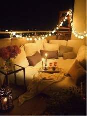 Popular Apartment Balcony For Christmas Décor Ideas 35