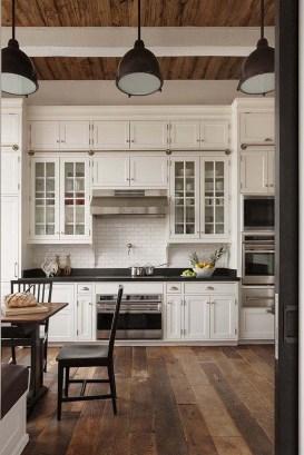 Pretty Farmhouse Kitchen Makeover Ideas On A Budget 18