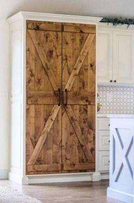 Pretty Farmhouse Kitchen Makeover Ideas On A Budget 21