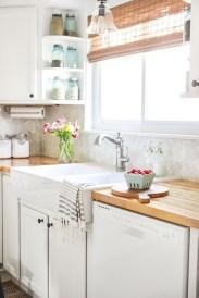 Pretty Farmhouse Kitchen Makeover Ideas On A Budget 32