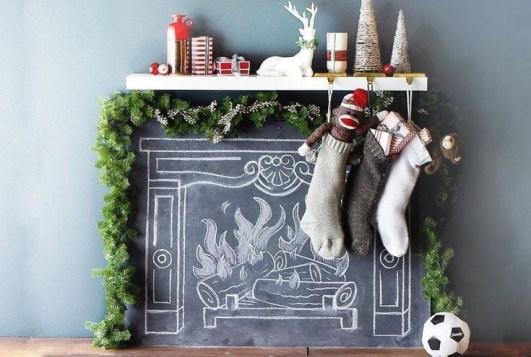 Stunning Fireplace Mantel Decor For Christmas Ideas 06