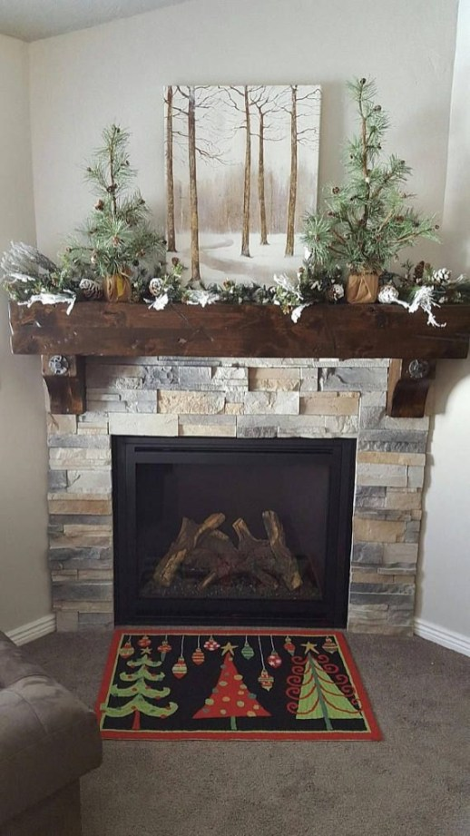 Stunning Fireplace Mantel Decor For Christmas Ideas 44