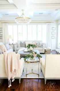 Stylish French Country Living Room Design Ideas 13