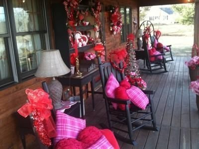 Amazing Front Porch Design Ideas For Valentines Day04