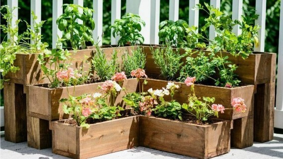 Awesome Small Space Gardening Design Ideas15
