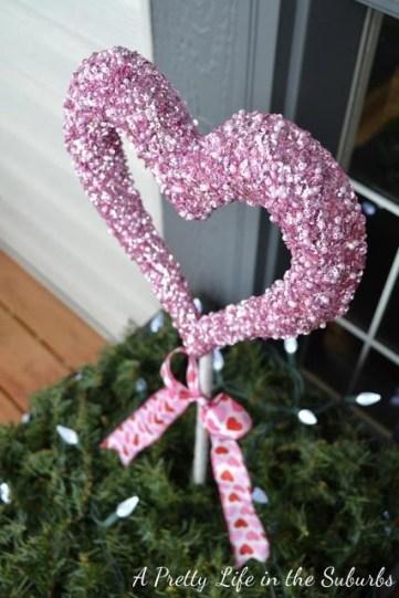Inspiring Exterior Decoration Ideas For Valentines Day42