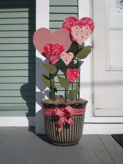 Inspiring Exterior Decoration Ideas For Valentines Day44