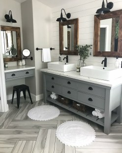 Minimalist Master Bathroom Remodel Ideas11