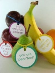 Popular Fruit Decoration Ideas For Valentines Day 31
