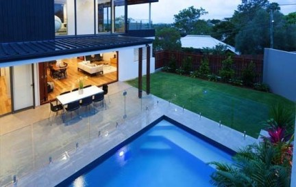 Amazing Glass Pool Design Ideas For Home07
