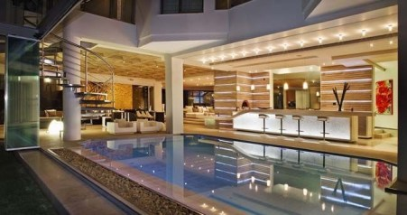 Amazing Glass Pool Design Ideas For Home32