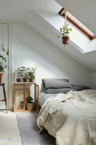Brilliant Small Master Bedroom Ideas18