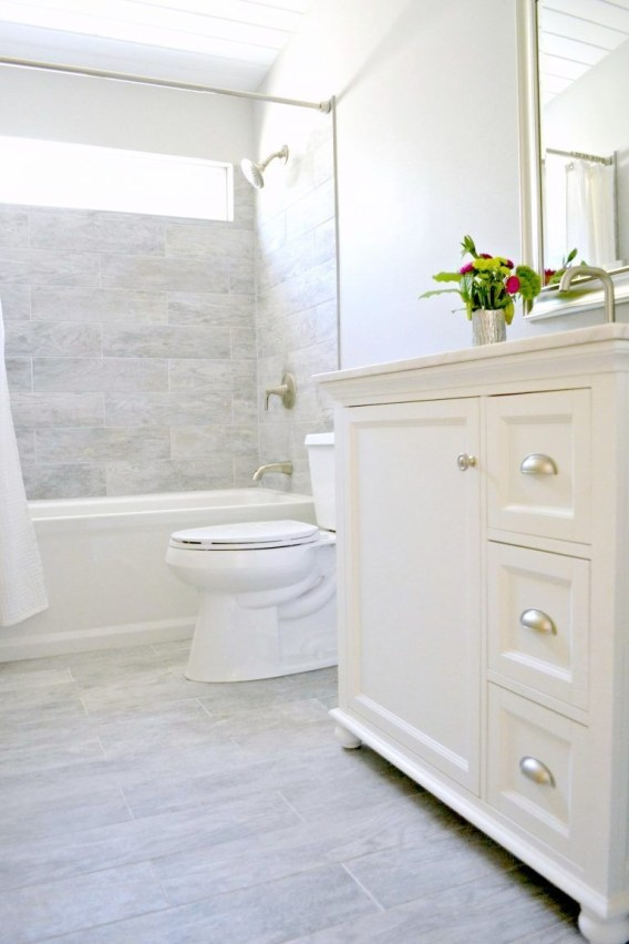 Incredible Small Bathroom Remodel Ideas47