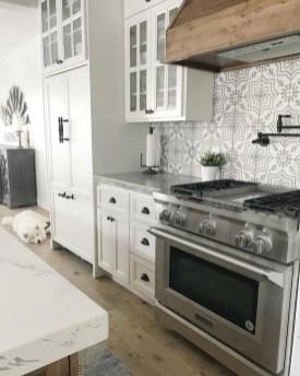 Latest Kitchen Backsplash Tile Ideas18