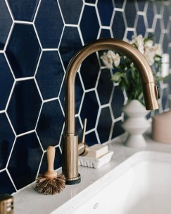 Latest Kitchen Backsplash Tile Ideas20