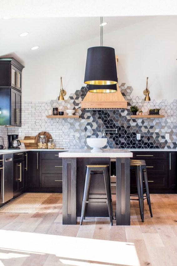 Latest Kitchen Backsplash Tile Ideas38