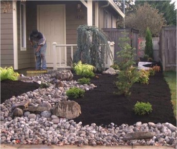 Minimalist Front Yard Landscaping Ideas On A Budget22