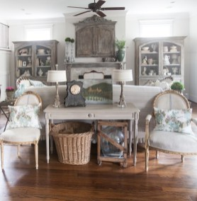 Pretty French Country Living Room Design Ideas32