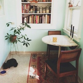 Stunning Small Dining Room Table Ideas23