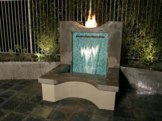 Stylish Outdoor Water Walls Ideas For Backyard07