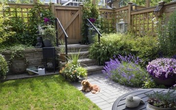 Awesome Small Garden Fence Ideas06