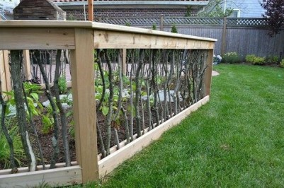 Awesome Small Garden Fence Ideas36